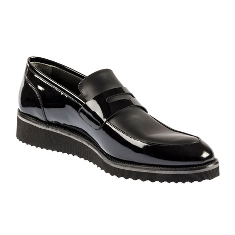 Leelan Contrast Slip On // Shiny Black (Euro: 37)
