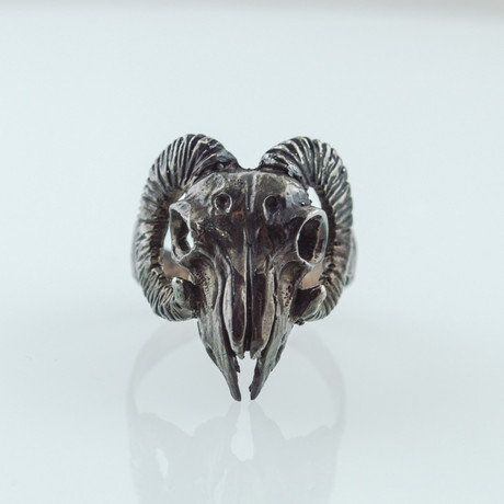 Ram Skull Ruthenium Plated Ring // Black (5)