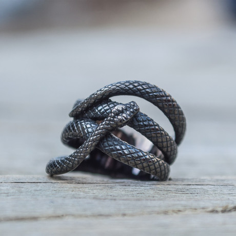 Snake Ruthenium Plated Ring // Black (5)
