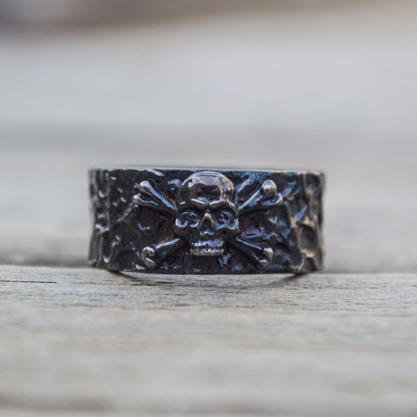 Black Series // Jolly Roger Ring (5)