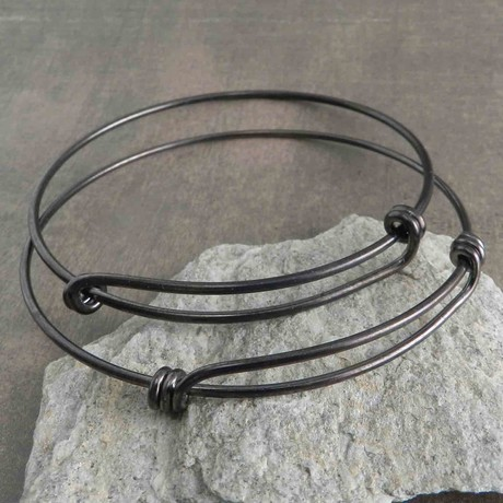 "Wire Wrap Adjustable Bracelet // Black (7"" // Small)"