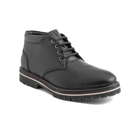 Daniel Pebbled Leather Chukka Boots // Black (EU 40)