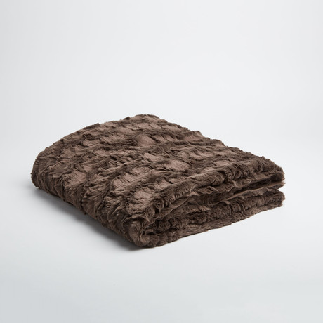 "Contempo Cuddle Fur Throw // Charcoal (50""L x 65""W)"