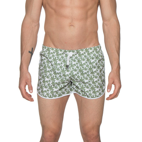 "3"" Print Sprinter Stretch Swim Shorts // Cannabis White (XS)"