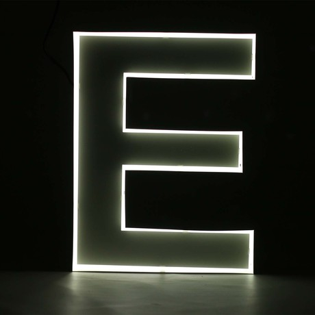 "Quizzy Neon Style Letter ""E"""