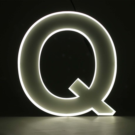 "Quizzy Neon Style Letter ""Q"""
