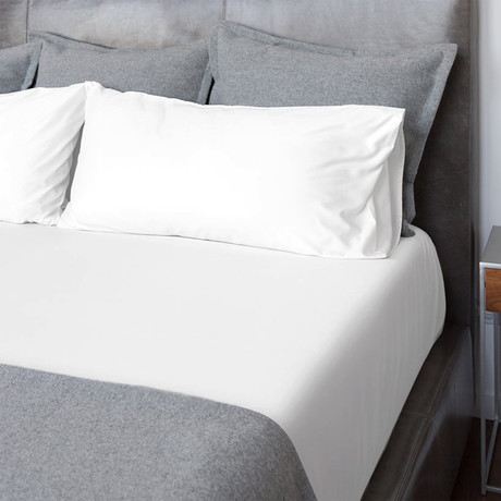 Sateen Bed Sheets // White (Twin)
