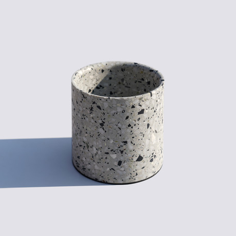 Yuan // Planter // White (Small)