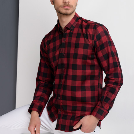 G665 Checkered Button-Up Shirt // Black + Burgundy (S)