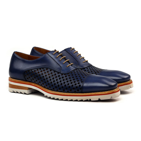 Sebastian Oxford // Blue (Euro: 40)