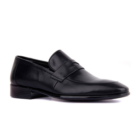 Nelo Penny Loafer // Black (Euro: 37)