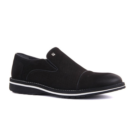 Feris Textured Modern Slip On // Black (Euro: 37)