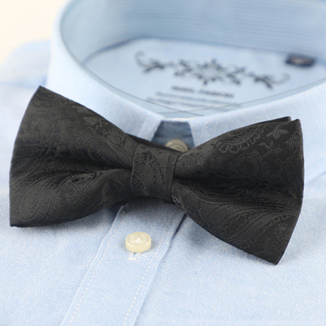 Silk Bow Tie // Black Paisley