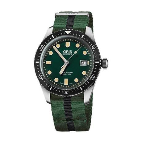 Oris Divers Automatic // 01 733 7720 4057-07 5 21 25FC