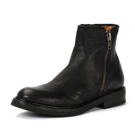 Gordon Boot + Outside Zipper // Black (US: 7)