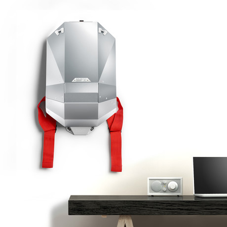 Aluminium Series Backpack + Wall Mount + Back Padding // Silver (Black Straps)