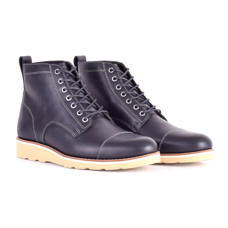 Lou Boots // Black (US: 9)