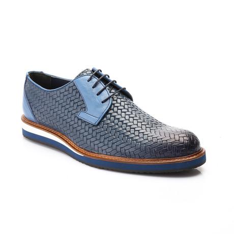Kam Shoe // Dark Blue (Euro: 39)