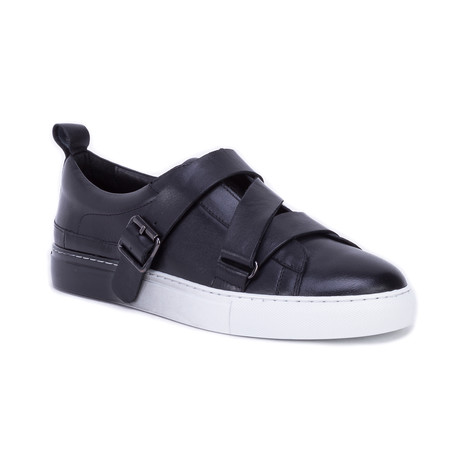 Braxton Sneaker // Black (US: 8)
