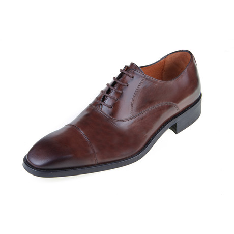 MT2184 // Oxford Shoe // Brown (Euro: 40)