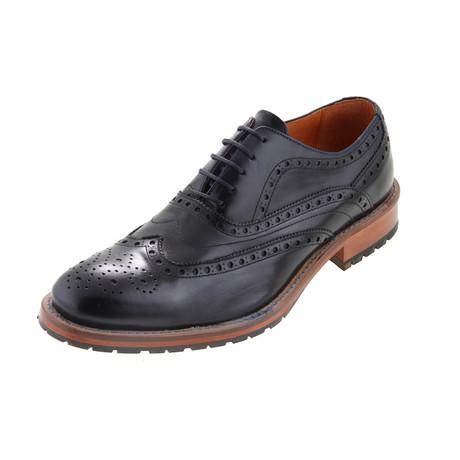MT2219 // T. Broque Shoe // Black (Euro: 40)