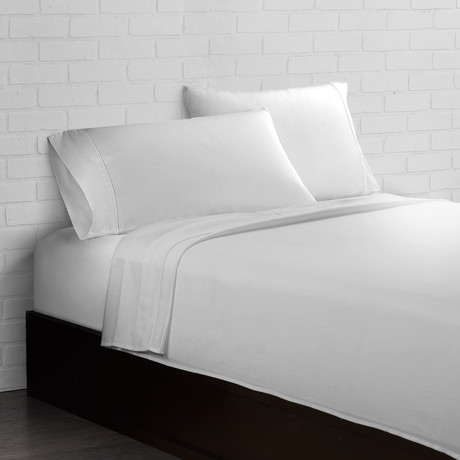 Crisp + Cool 300 Thread Count // White // 4-Piece Sheet Set (Twin)