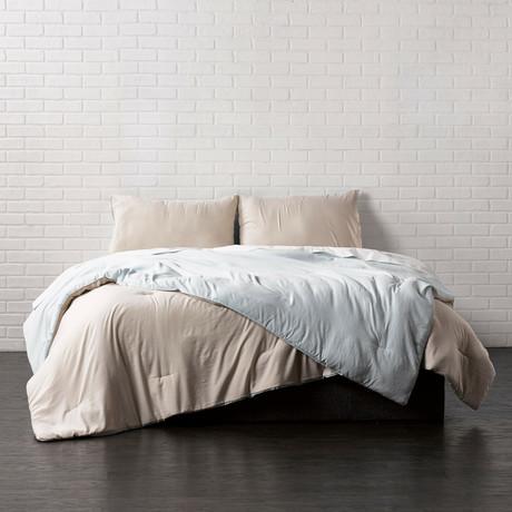 Reversible Brushed Microfiber Plush Down-Alt Comforter // Seafoam + Linen // 3 Piece Set (Twin)