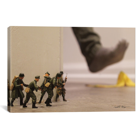 """Army Peel (26""""W x 18""""H x 0.75""""D)"""