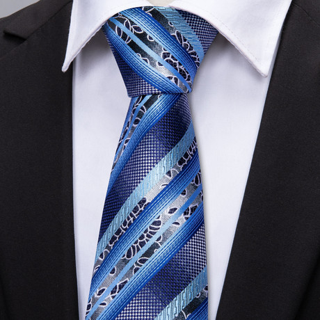 Regis Handmade Tie // Navy Stripe