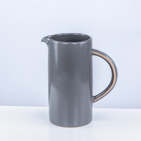 Tinge Clay Pitcher (White)