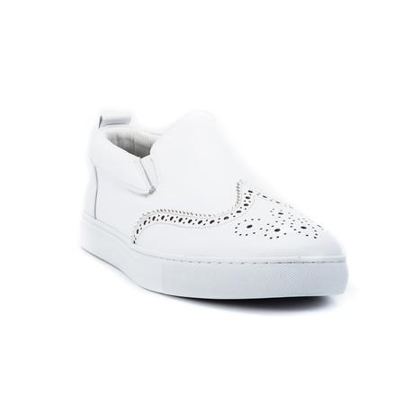Ali // White (US: 8)