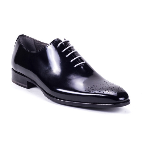 Antila Oxford // Black (Euro: 39)
