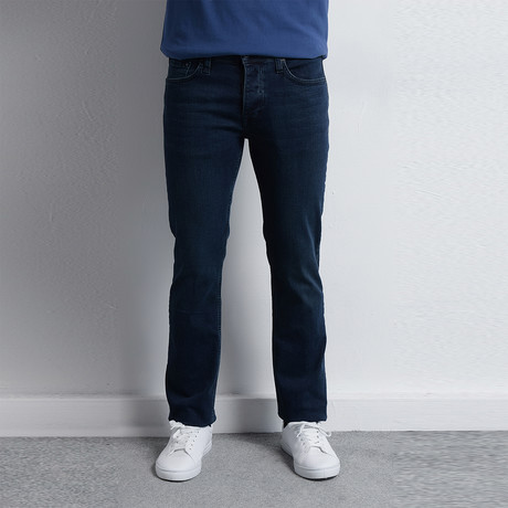 Earle Jeans // Dark Blue (29)