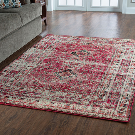 Flourish Goravan Red Rug (5' x 7')