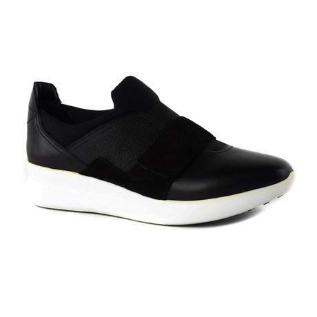 Wyatt Sneakers // Black (US: 5)