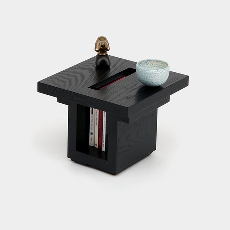 SQ18 BK End Table // Black