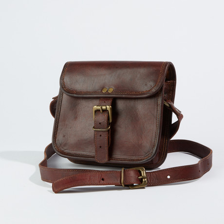 Leather Crossbody Sling Bag I // Chestnut Brown