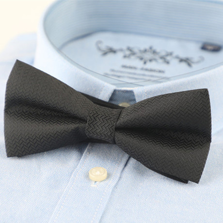 Silk Bow Tie // Black Design
