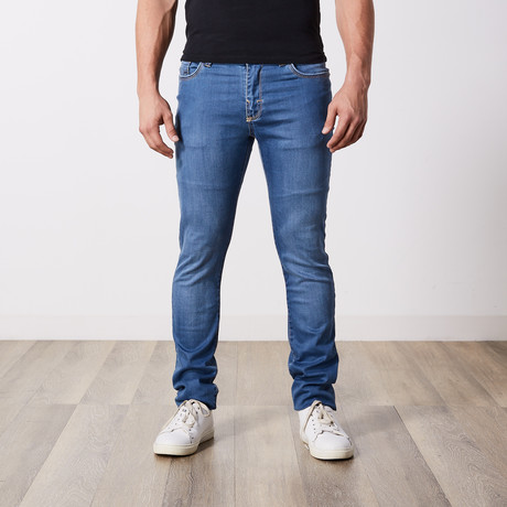 Slim Fit Jeans // Light Blue (29WX34L)