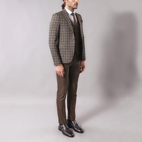 Tristan 3-Piece Slim-Fit Suit // Brown (Euro: 44)