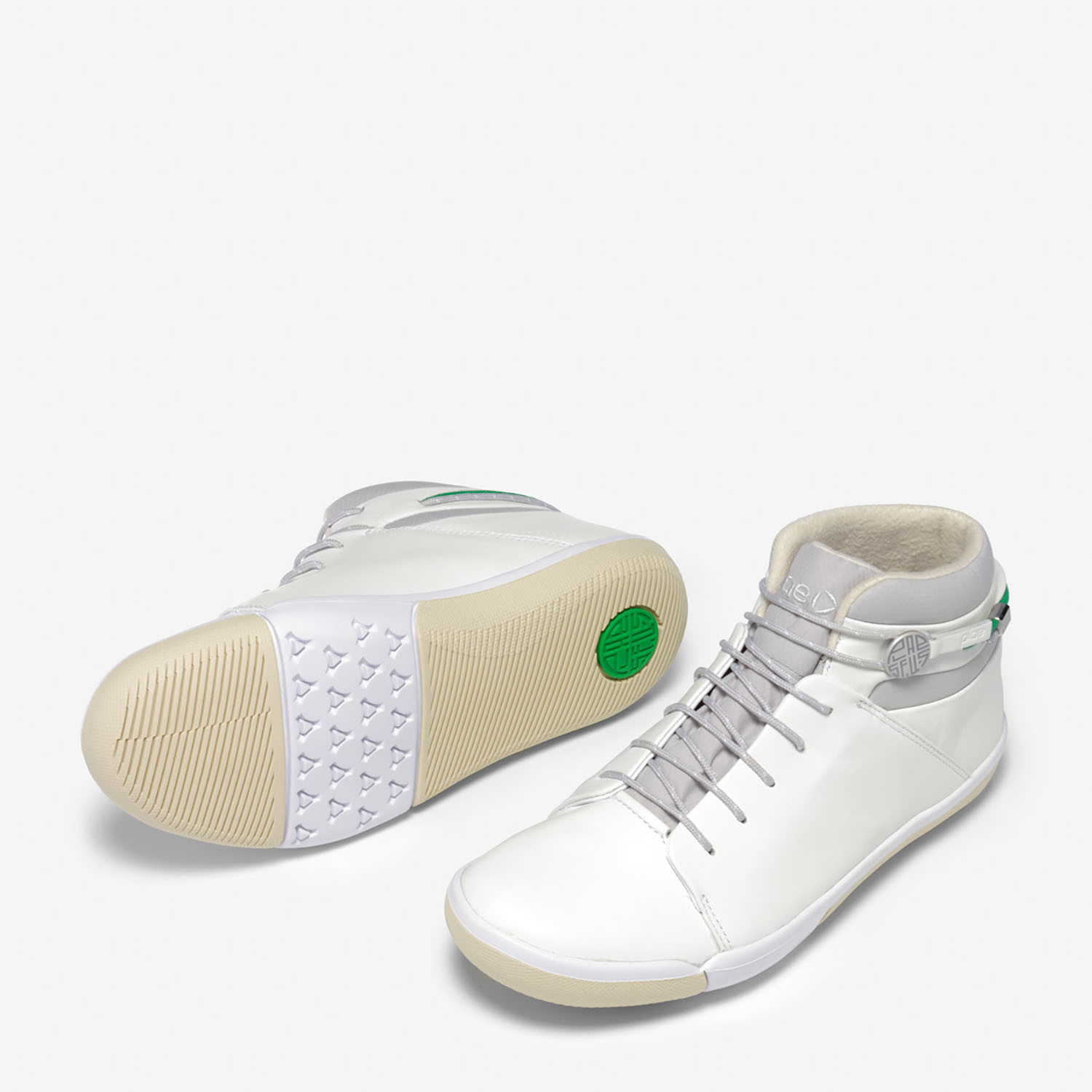 Abra Mid-Top Sneakers // White (US: 6