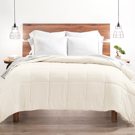 Good Kind Super Plush Down Alternative Comforter // Ivory (Twin/TwinXL)