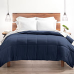 Good Kind Super Plush Down Alternative Comforter // Navy (Twin/TwinXL)