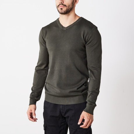 Slim V-Neck Sweater // Olive (S)