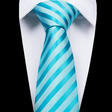 Carbonia Silk Dress Tie // Light Blue