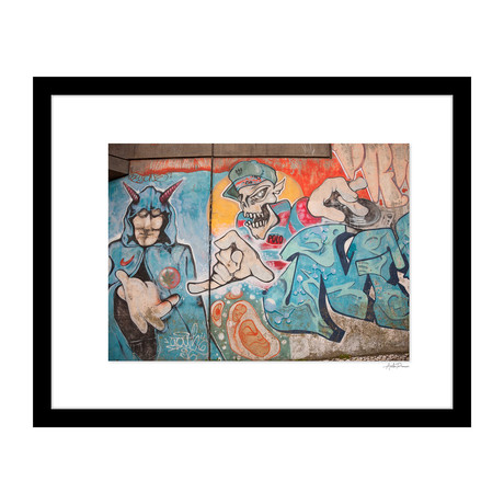 """Best Friends Graffiti (14""""W x 18""""H x 4""""D)"""