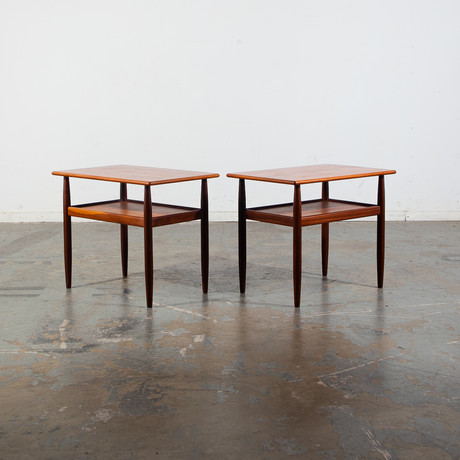 Unknown Vintage // Danish Modern End Tables // Set of 2