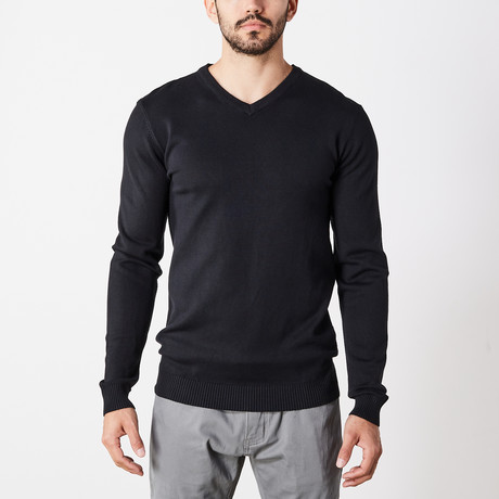 Slim V-Neck Sweater // Black (S)