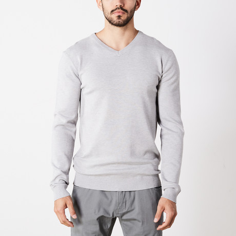 Slim V-Neck Sweater // Heather Gray (S)