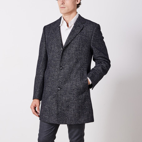 Coat // Black (US: 36R)